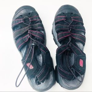 Sketchers size 9 water hiking sandals